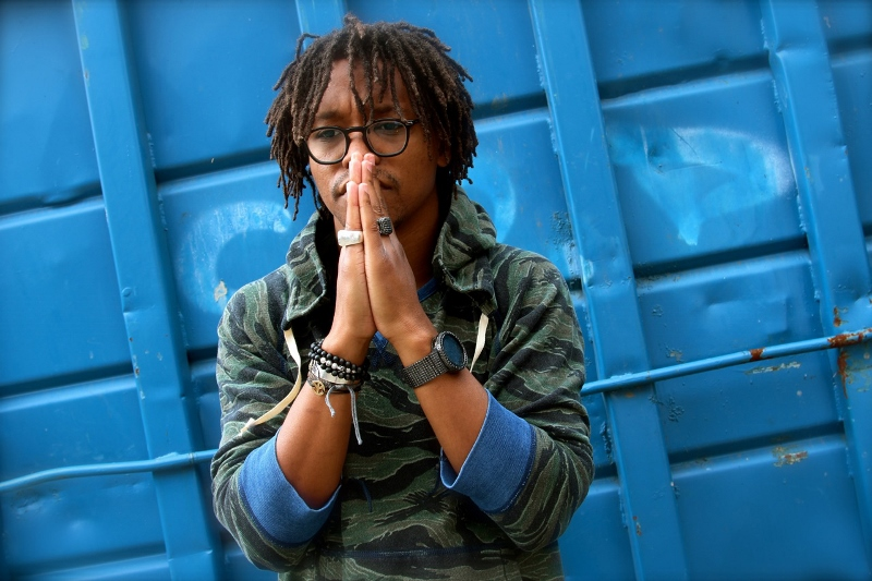 light-blue-lupe-fiasco-hyypezup-800x533