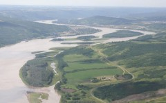 1280px-Peace_River_aerial