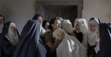 The Innocents. Photo credit: Anna Wloch. Courtesy © 2015 MANDARIN CINEMA AEROPLAN FILM MARS FILMS.