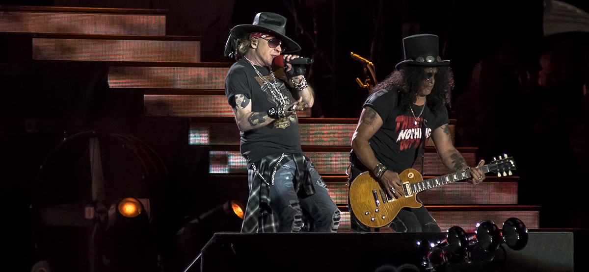guns n roses deliver fully loaded reunion show at bc place vancouver weekly. Black Bedroom Furniture Sets. Home Design Ideas