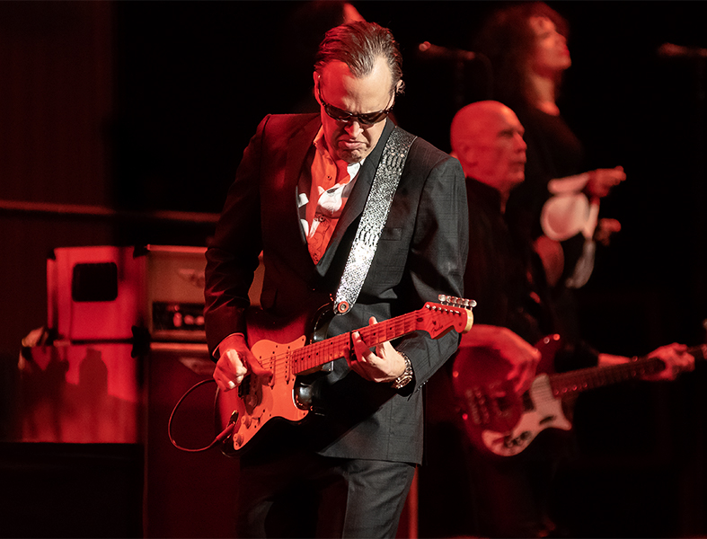 Joe Bonamassa World Tour 2018 at The Queen Elizabeth Theatre in Vancouver B.C. Canada | Show 3/3 Dec. 1st / 2018