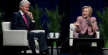 Photos:An Evening with Bill Clinton and Hillary Rodham Clinton |Rogers Arena