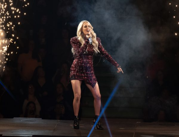 Photos: Carrie Underwood with Runaway June and Maddie & Tae | Rogers Arena