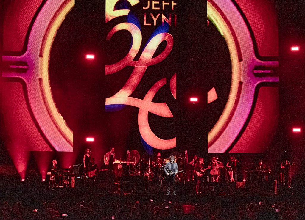 ELO at Rogers Arena on Jun 26, 2019 by Tom Paillé-0075