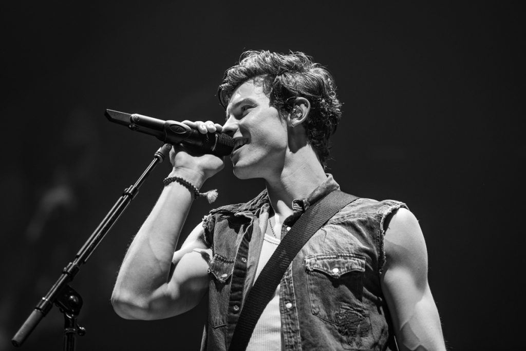 Shawn.Mendes.02.bw