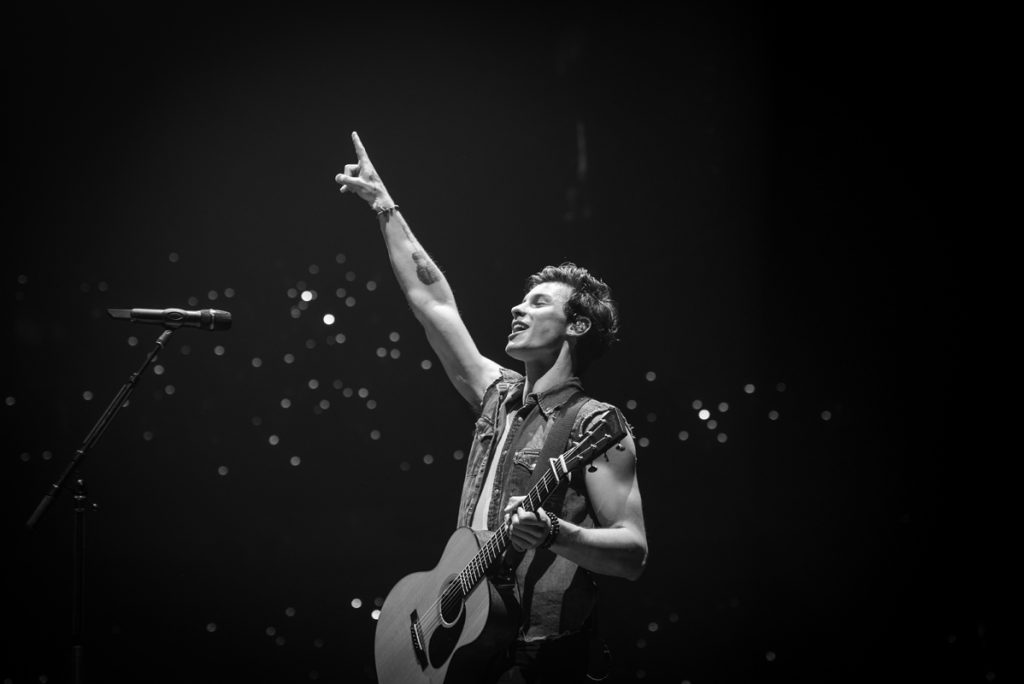 Shawn.Mendes.03.bw