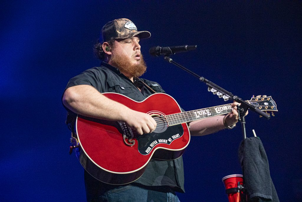 Luke Combs at Rogers Arena Oct 19, 2019 by Tom Paillé-4887