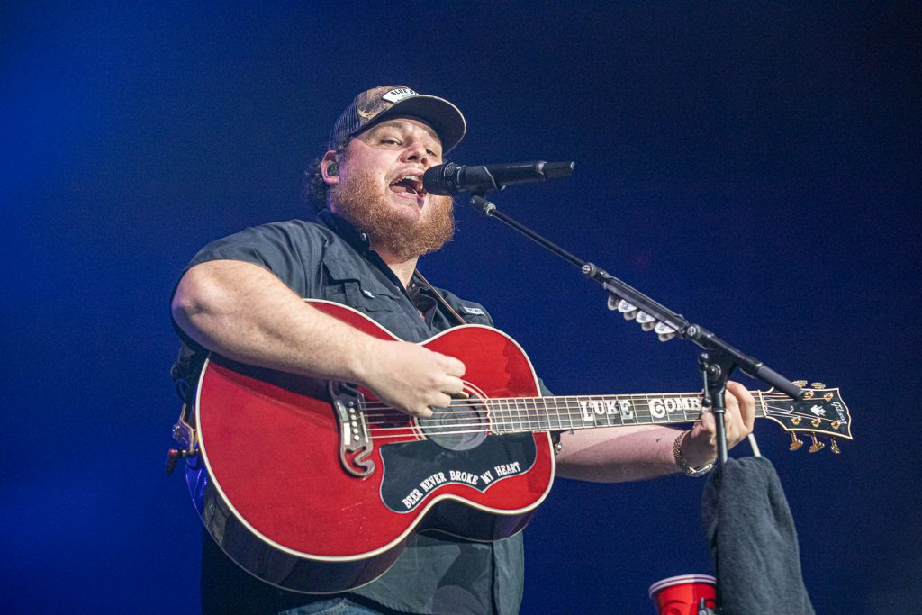Luke Combs at Rogers Arena Oct 19, 2019 by Tom Paillé-4894