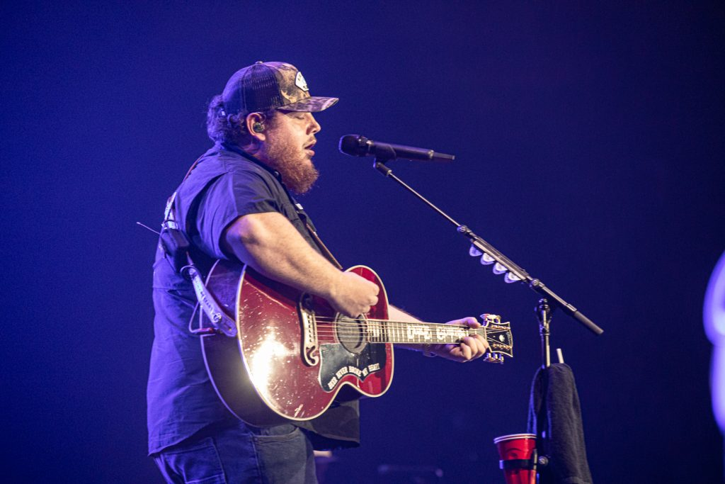 Luke Combs at Rogers Arena Oct 19, 2019 by Tom Paillé-4954