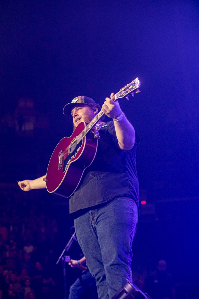 Luke Combs at Rogers Arena Oct 19, 2019 by Tom Paillé-4964