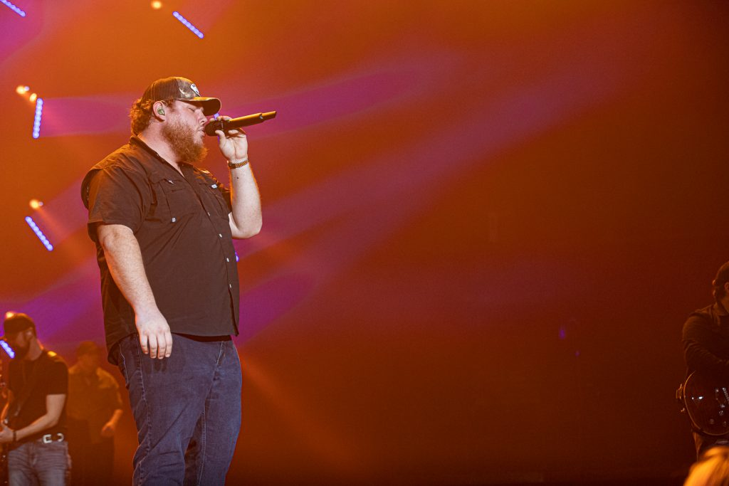 Luke Combs at Rogers Arena Oct 19, 2019 by Tom Paillé-4990