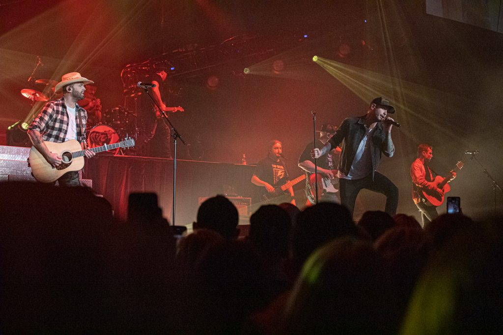 Dallas Smith and Dean Brody at the AEC on Oct. 26, 2019 by Tom Paillé-6248