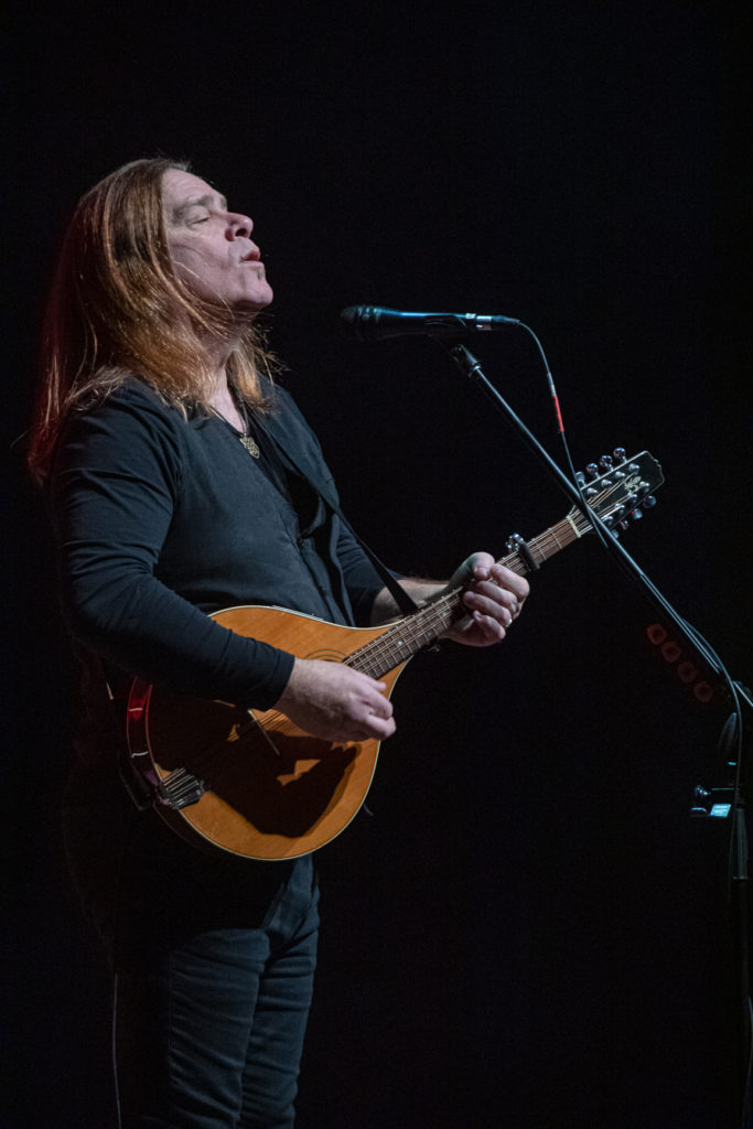 Alan Doyle at the Queen Elizabeth Theatre Mar. 8, 2020 by Tom Paillé-12