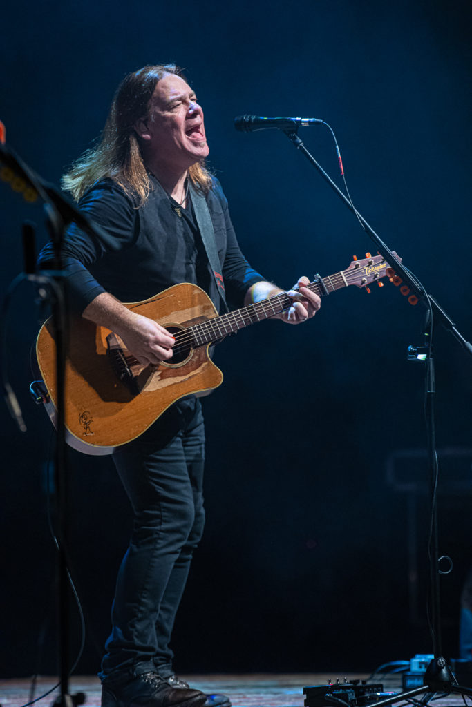 Alan Doyle at the Queen Elizabeth Theatre Mar. 8, 2020 by Tom Paillé-3