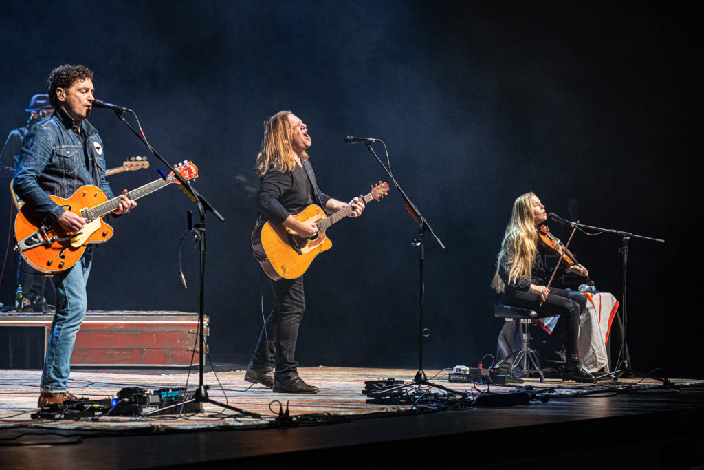 Alan Doyle at the Queen Elizabeth Theatre Mar. 8, 2020 by Tom Paillé-6