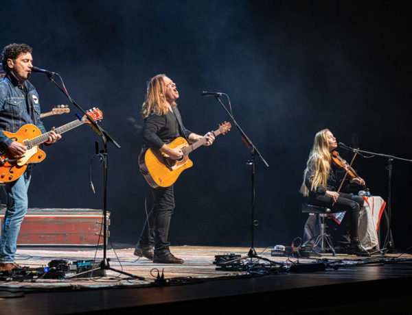 Photos: Alan Doyle | Queen Elizabeth Theatre