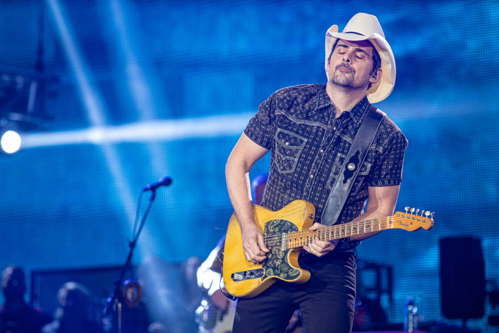 Brad Paisley at the AEC Mar 7, 2020 by Tom Paillé-17