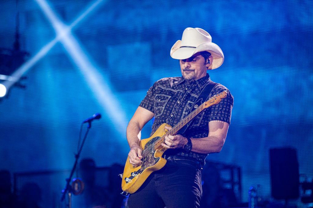 Brad Paisley at the AEC Mar 7, 2020 by Tom Paillé-18