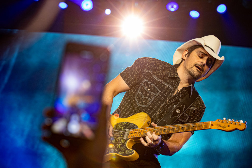 Brad Paisley at the AEC Mar 7, 2020 by Tom Paillé-20