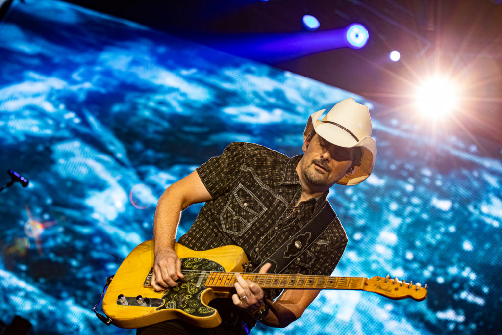 Brad Paisley at the AEC Mar 7, 2020 by Tom Paillé-21