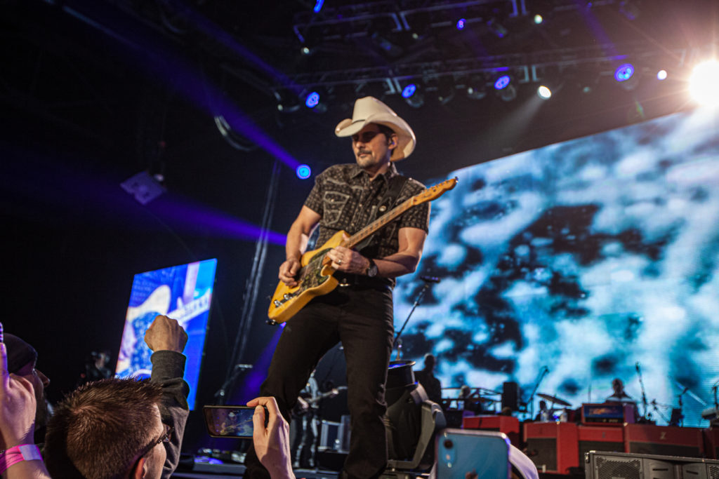 Brad Paisley at the AEC Mar 7, 2020 by Tom Paillé-31